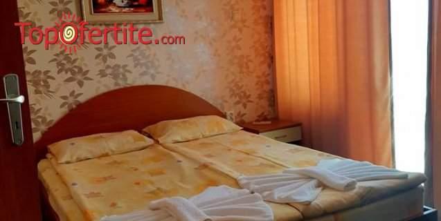 На море в Хотел Андре, Черноморец! Нощувка + закуска и вечеря или закуска, обяд и вечеря на цени от 26 лв. на човек