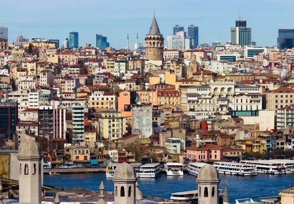 """Екскурзия през юли и септември до Истанбул, Турция с посещение на """"Църквата на първо число""""! Автобусен транспорт + 2 нощувки на човек съÑ"""