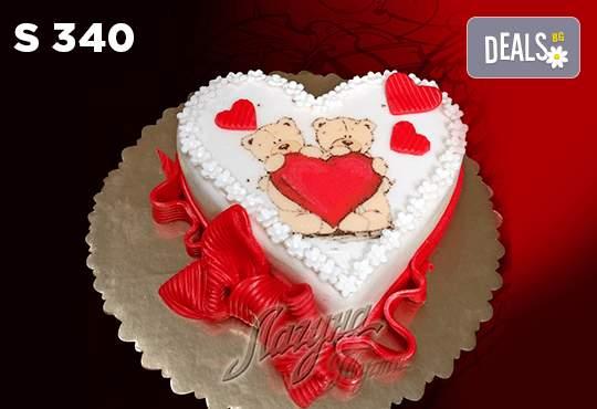 """Уникална бутикова торта """"Романтично сърце"""" от Виенски салон Лагуна"""
