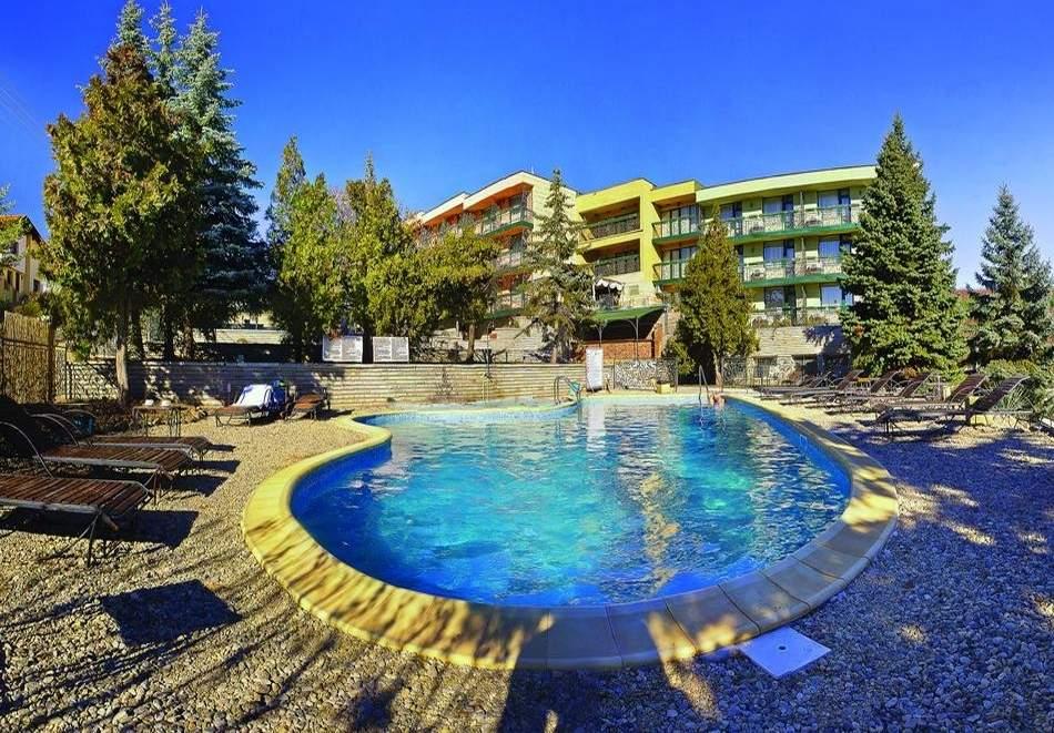 Ваканция в хотел Виталис, Пчелински бани! Възползвайте се от минерални басейни!
