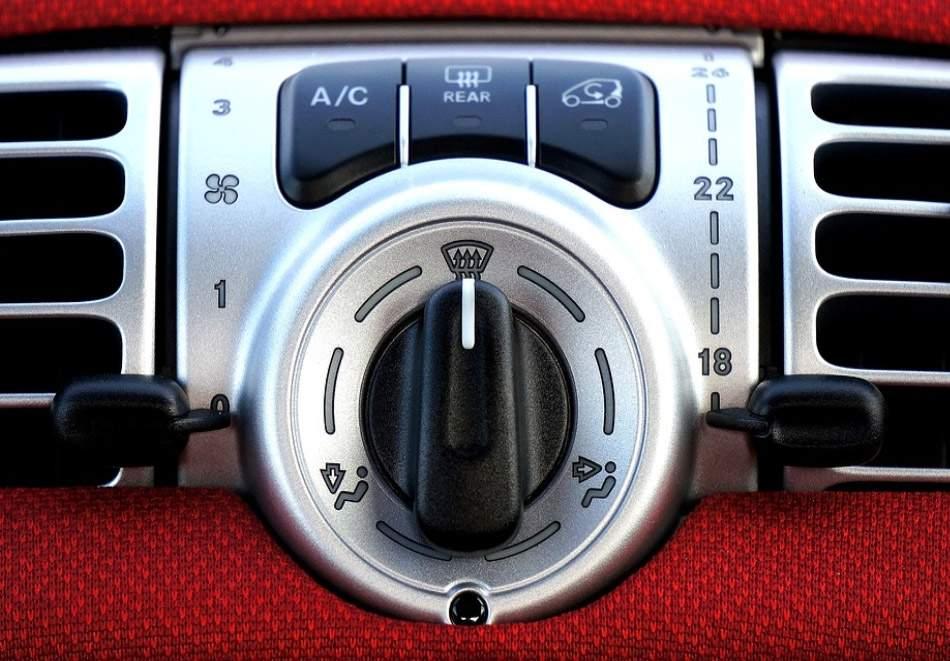 Автоцентър Торнадо предлага профилактика и зареждане на автоклиматик на промо цена!