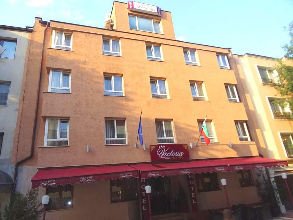Почивка в хотел Виктория, Варна на специална цена!
