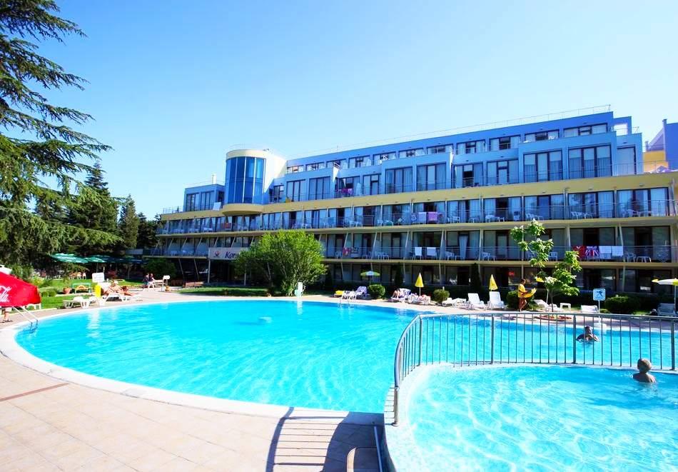 Нощувка на човек на база All inclusive + басейн в хотел Корал****, Св. Св. Константин и Елена. Дете до 14 - БЕЗПЛАТНО