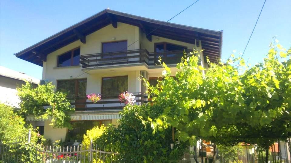 Почивайте в къща за гости Славина, Сапарева Баня на специална цена!