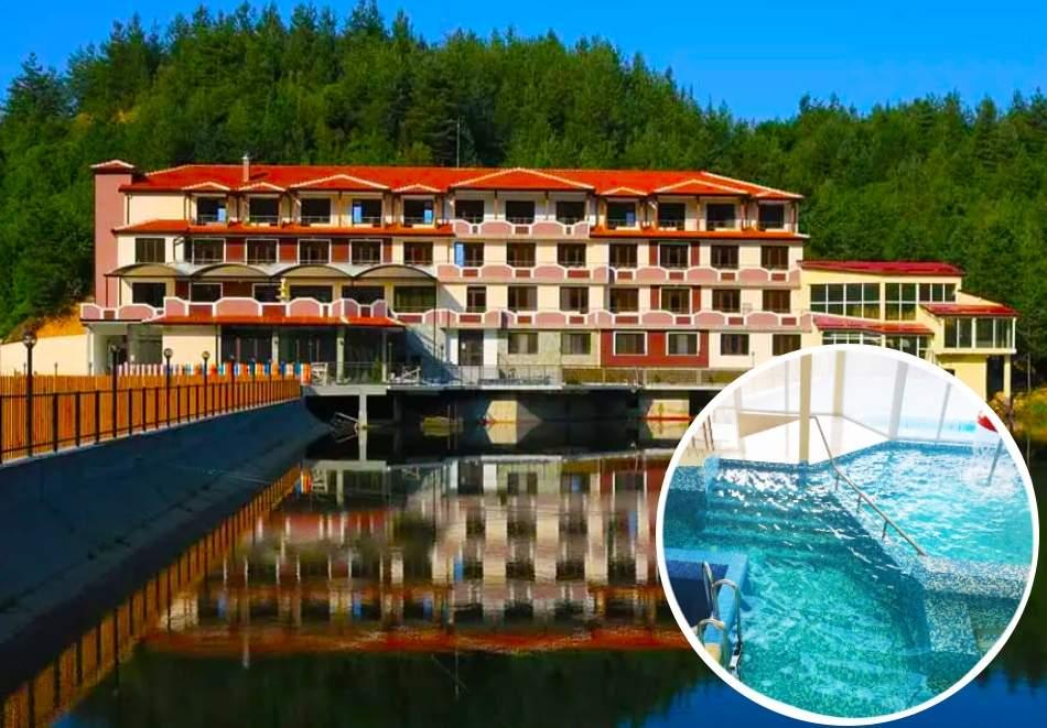 Пълен релакс в хотел Кремен, Кърджали! Включва зона за релакс, басейн и закуски! Плюс риболов