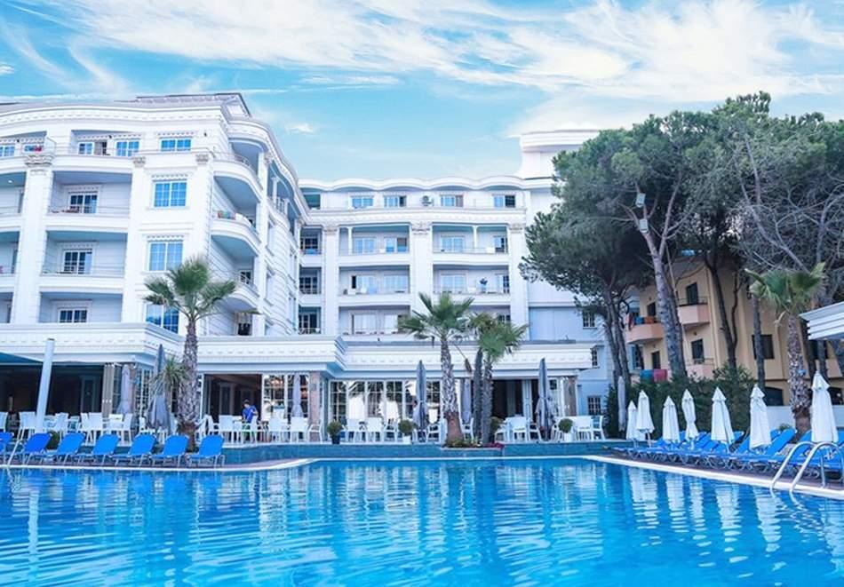 Релакс в хотел Fafa Premium Resort*4, Дуръс! Включен транспорт