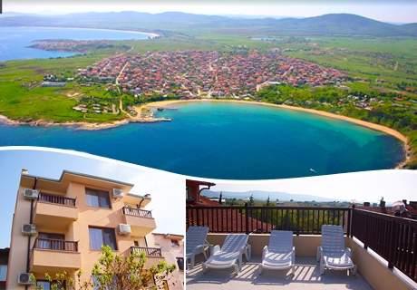 Нощувка на човек в Семеен хотел Малибу, Черноморец