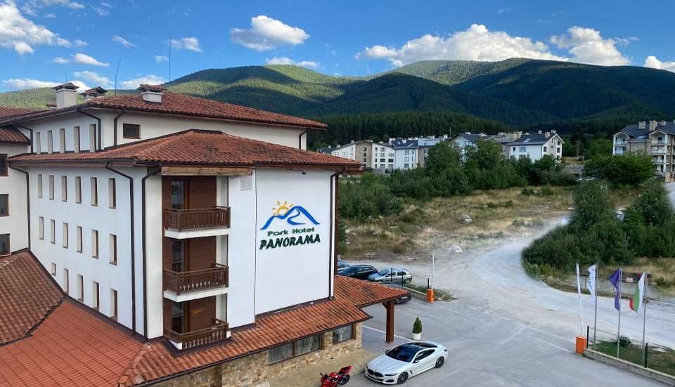 Нощувка на човек със закуска + басейн и релакс зона от Парк хотел Панорама, Банско