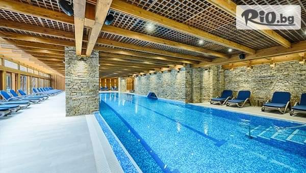Посрещнете Коледните празници в СПА хотел Катарино, Банско! Включва басейни с минерална вода, програма, вечери и закуски!