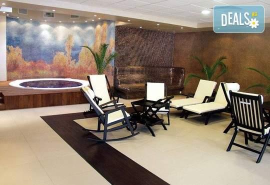 Релакс в хотел Шипково! Включва зона за релакс, басейн с минерална вода, вечеря и закуска!