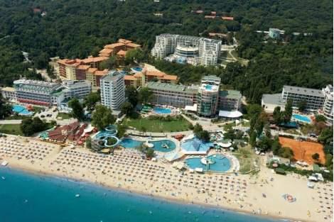 На море в Парк хотел Голдън Бийч****, Златни пясъци! Включва детска анимация