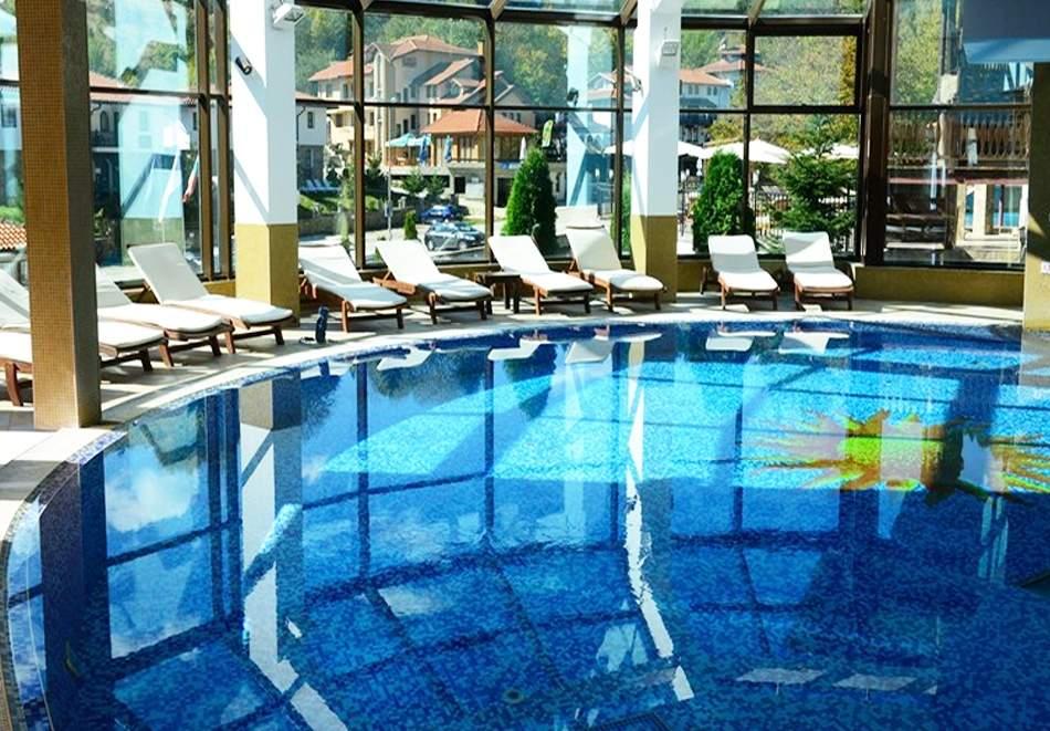 1 или 2 нощувки на човек със закуски и вечери + минерален басейн и релакс зона в обновения хотел Алфарезорт Палас, Чифлика