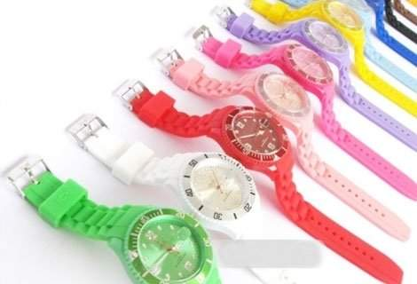 Плати 1 вземи 2! Бъдете стилни по всяко време на годината, особено по това! Вземи силиконов часовник в модерен цвят и дизайн  само за 6.90 лева!