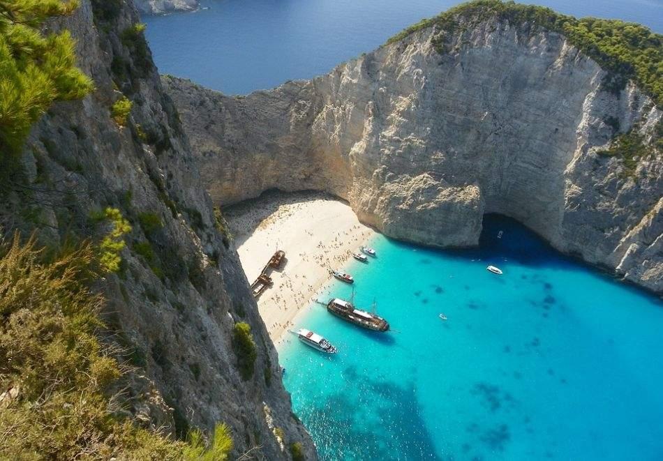 Самолетна почивка на о. Закинтос, Гърция. Полет от София + 7 нощувки на човек със закуски и вечери в хотел 3* + PCR тест !