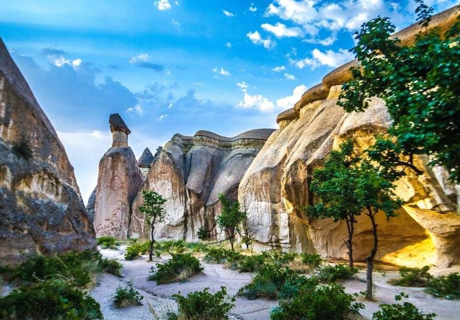 Автобусна екскурзия до Кападокия, Турция от юни до октомври! Транспорт + 4 нощувки на човек със закуски в хотел 3*!