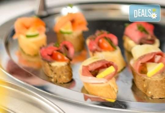 Празнично хапване от кулинарна работилница Деличи! Включена доставка