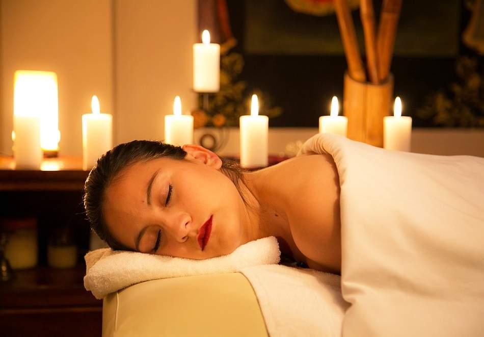 Класически масаж на гръб + цели ръце и врат в козметично студио Bellisima Donna, София