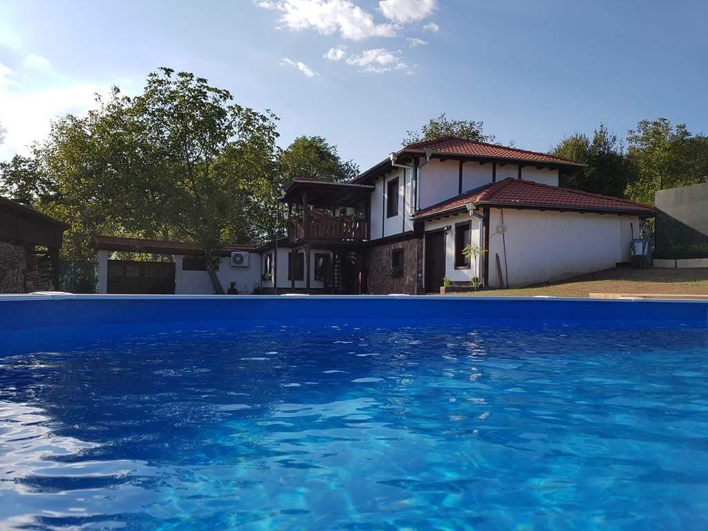 Ваканция в къща Андре, с. Разлив! + Механа и басейн