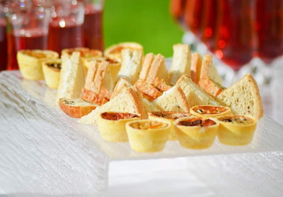 Детски рожден ден на открито + пакет коктейлни хапки, домашна лимонада и празнични чинийки и чашки от Кулинарна работилница Деличи, София
