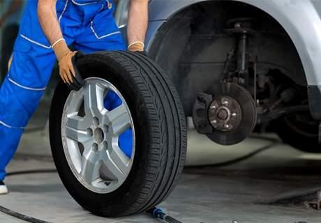Обгрижете автомобила си в автоцентър BGreen! Включва смяна на две гуми и баланс!