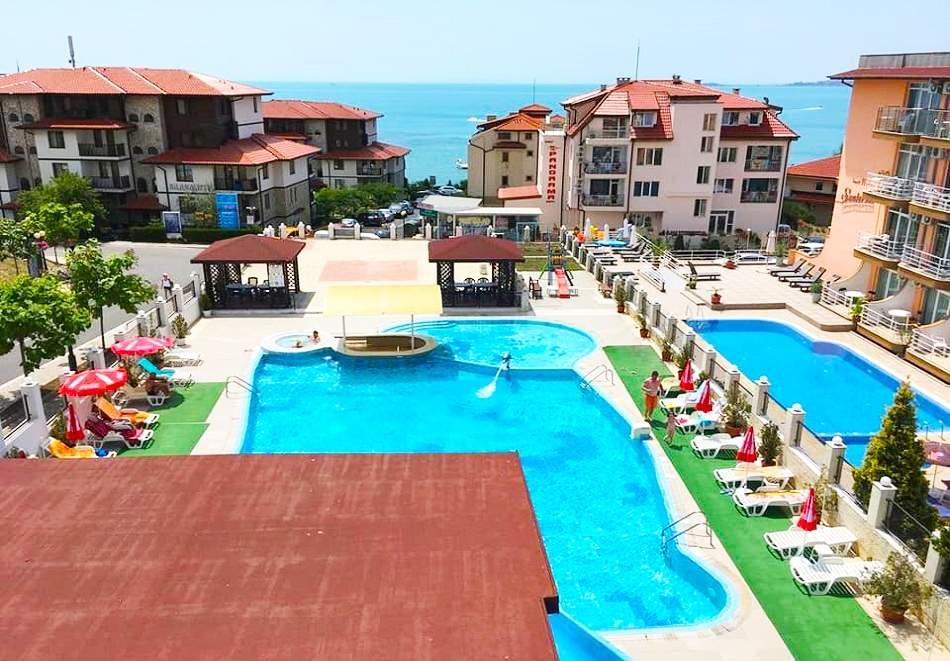 Ранни записвания за море! 2+ нощувки на база All Inclusive на човек + басейн на 50м. от плажа от хотел Корона, Свети Влас