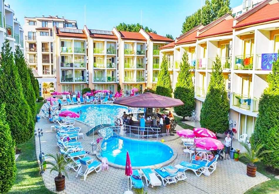 Гергьовден в Слънчев Бряг! 2 или 3 нощувки на база All inclusive на човек + празничен обяд и басейн в хотел Сън сити. Дете до 13г. - безплатно