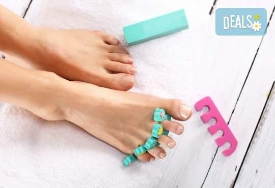 Погрижете се за ноктите си в салон за красота Лаура Стайл!