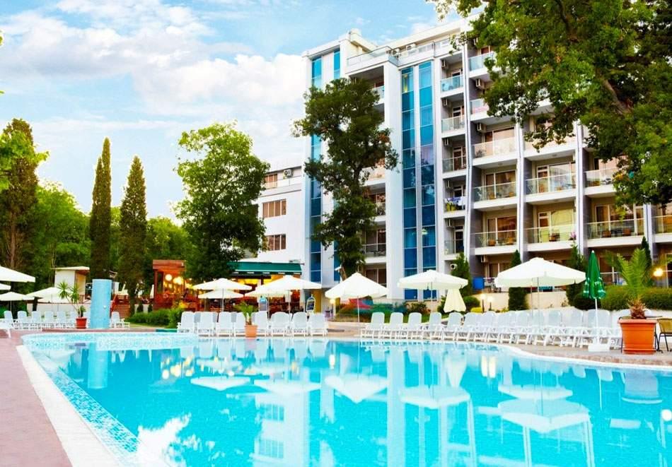 All Inclusive в хотел Грийн Парк, Златни пясъци! Възползвайте се от басейн!