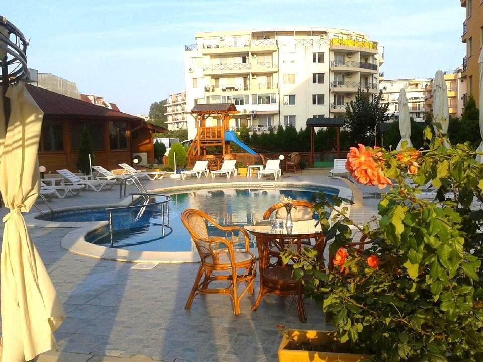 Почивка в хотел Мегас, Слънчев бряг! Възползвайте се от басейн!