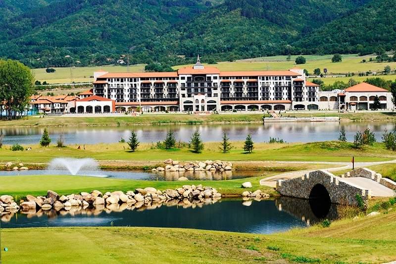 Релаксирайте в хотел Риу Правец! Включва басейн и пълно изхранване!