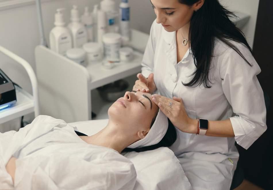 Ултразвукова или безиглена мезотерапия на лице по избор на клиента от Bellisima Donna, София!
