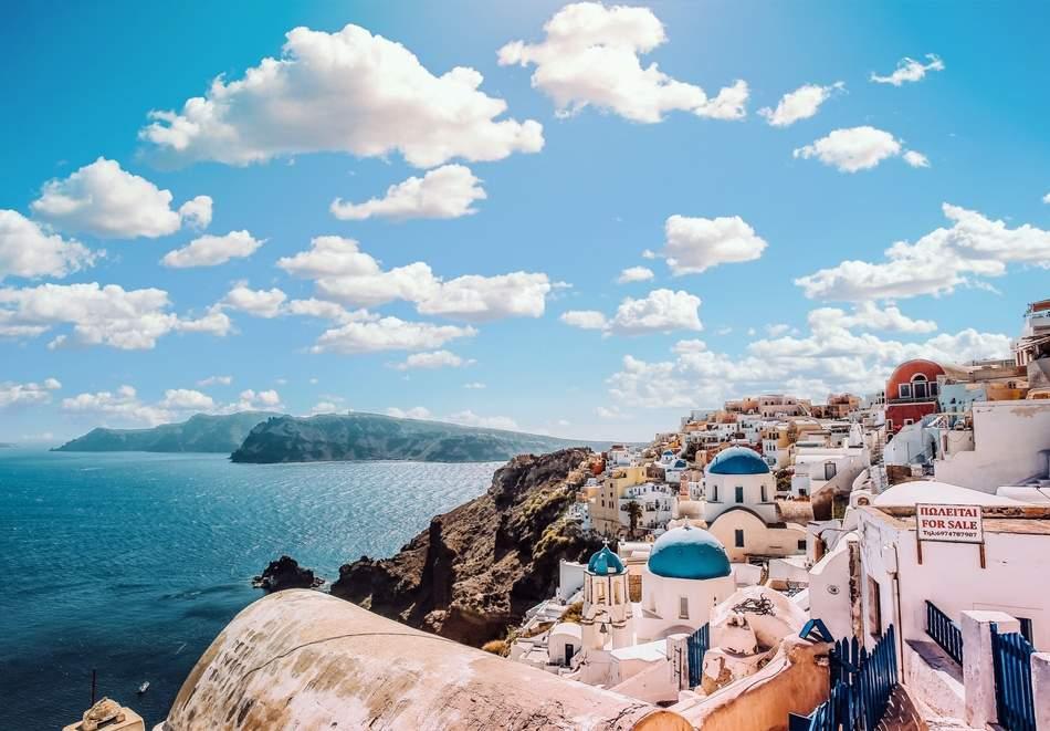 Екскурзия до о. Санторини, Гърция. 4 нощувки на човек със закуски + транспорт и PCR тест от ТА България Травъл