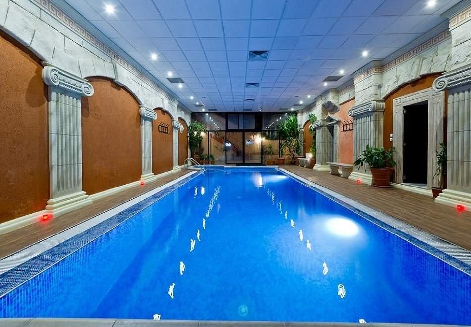 2 нощувки за ДВАМА със закуски + минерален басейн и СПА от Спа хотел Свети Никола****, Сандански