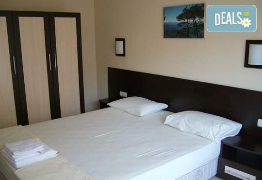До 29.04 в Хотел Делта, Огняново: нощувка,закуска, минерални басейни и релакс зона
