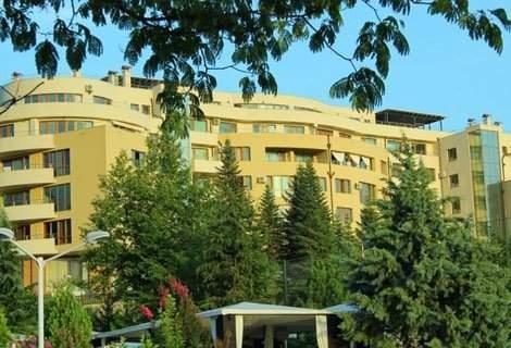 Почивка в Сандански, Семеен хотел Ботаника 3*: Нощувка със Закуска и Вечеря за 48 лв. на Човек + Външен Басейн в хотел Медите Спа Ризорт 5*!