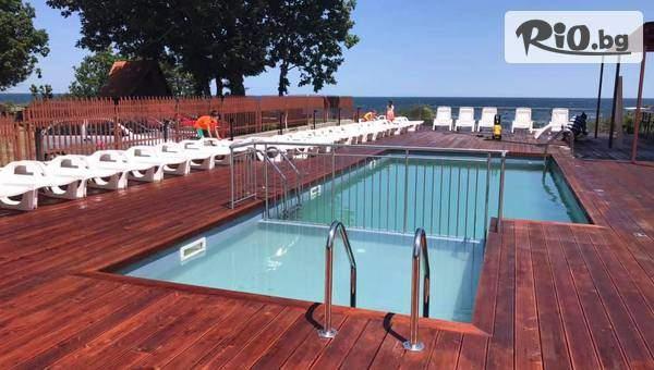На море в Китен от 1 до 20 Юли! 5 нощувки със закуски, обеди и вечери + басейн и шезлонг, от Хотел Sunday на 300 метра от плаж Атлиман