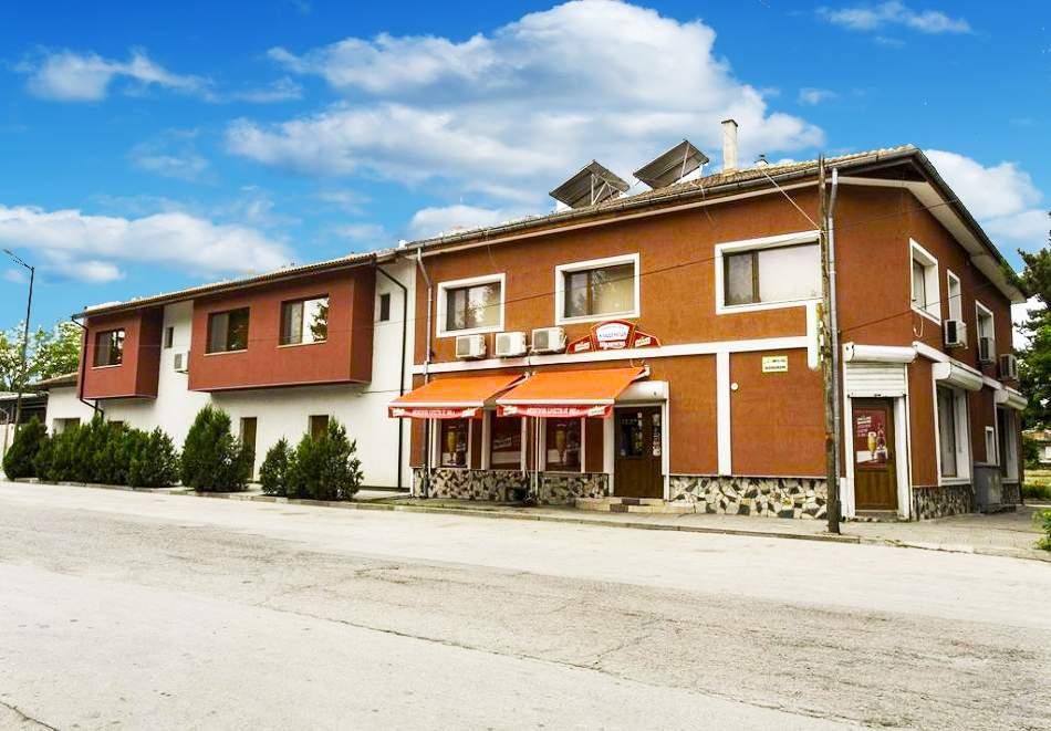 Ваканция в къща за гости Кладенеца, Иваново! Възползвайте се от вечеря и закуска!