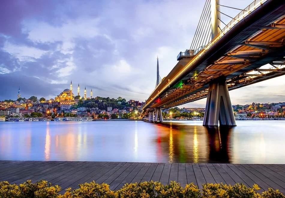 Екскурзия от юни до септември до Истанбул, Турция! Автобусен транспорт + 2 нощувки на човек със закуски!