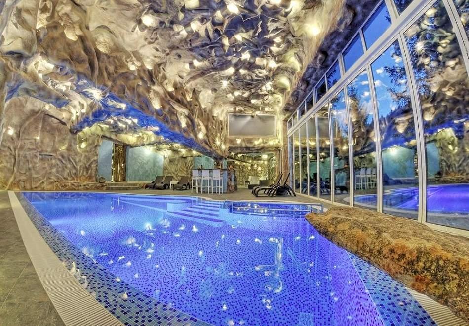 Нощувка на човек със закуска + басейн и релакс пакет от хотел Кипарис Алфа**** Смолян!