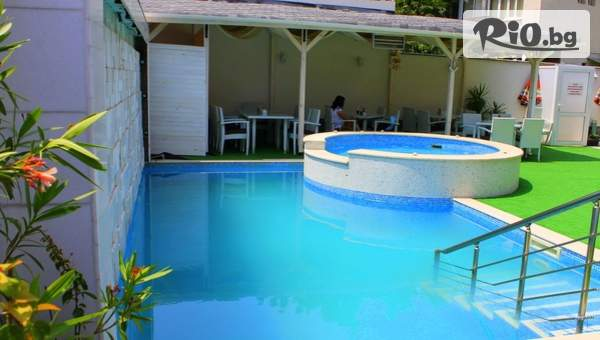 Лятна почивка във Велинград! Нощувка за до четирима + Външен басейн, джакузи, сауна и парна баня, от Семеен хотел Свети Георги