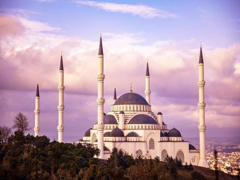 Ваканция за четири дни в Истанбул! Включва закуски!
