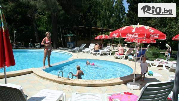 Цяло лято на море на първа линия в Несебър! 3, 5 или 7 нощувки на база All Inclusive + басейн, шезлонг, чадър, анимация и Безплатно за деца до 13г., от Парк Хотел Оазис