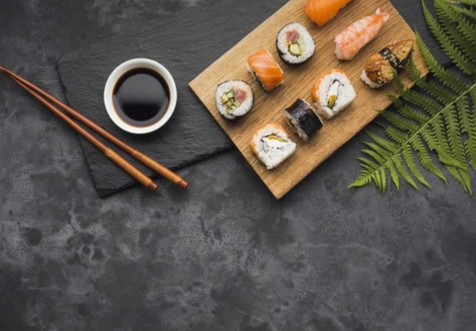 Хапнете вкусно с Суши Зоун БГ! Включва суши сет! Различни бройки