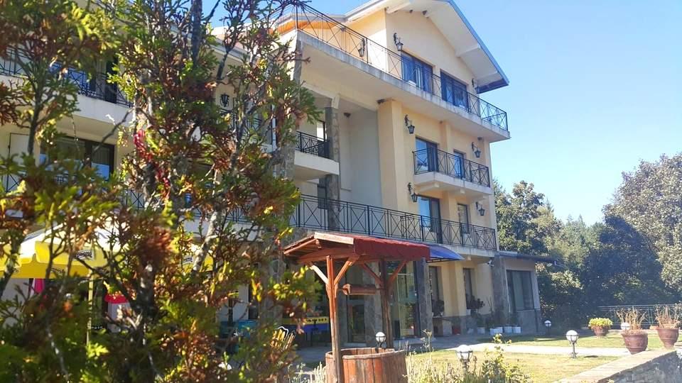 Пълен релакс в хотел Виа Траяна, Беклемето! Включва басейн и закуски!